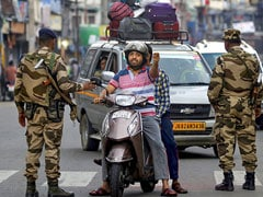 कश्मीर में आंशिक रूप से बहाल की गई फोन और इंटरनेट सेवा, जुमे की नमाज के लिए दी गई ढील