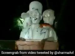 दिल्ली यूनिवर्सिटी में लगी सावरकर, बोस और भगत सिंह की प्रतिमाओं को DUSU ने हटाया