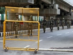Kashmir Curfew Highlights: Phone Services, Internet Partially Restored, Sitaram Yechury Detained At Srinagar Airport