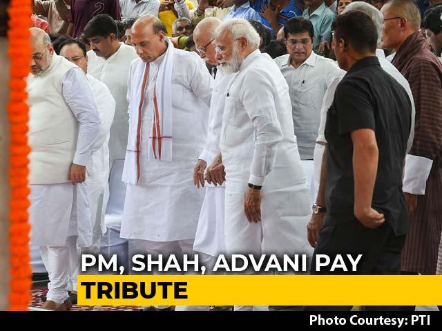 Video : PM Modi, LK Advani Share Emotional Moment At Sushma Swaraj's Funeral