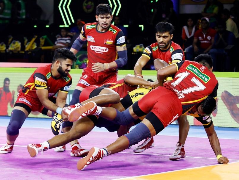 PKL 7: Bengaluru Bulls Beat Telugu Titans 47-26