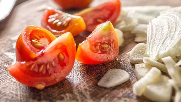 Men's Diet: Consuming Over 10 Portions Of Tomatoes Per Week Linked With Lower Risk Of Prostate Cancer
