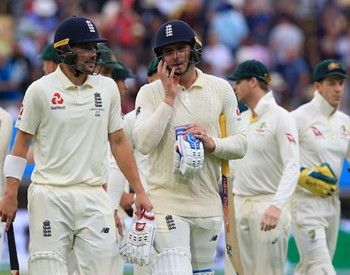 3rd Ashes Test Day 2 Live Cricket Score