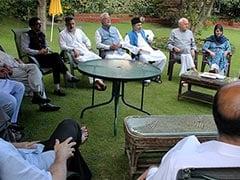 विशेष दर्जे की लड़ाई के लिए दशकों पुरानी दुश्मनी भूल एकजुट हुए जम्मू-कश्मीर के राजनीतिक दल