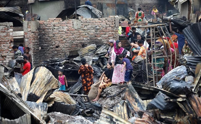 10,000 People Left Homeless After Fire Destroys Slum In Bangladesh