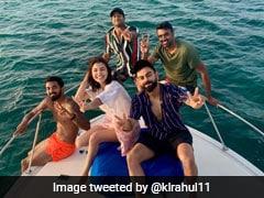 Video: टीम इंडिया के साथ यॉट पर यूं इंजॉय करती नजर आईं अनुष्का शर्मा, विराट कोहली भी दिखे साथ