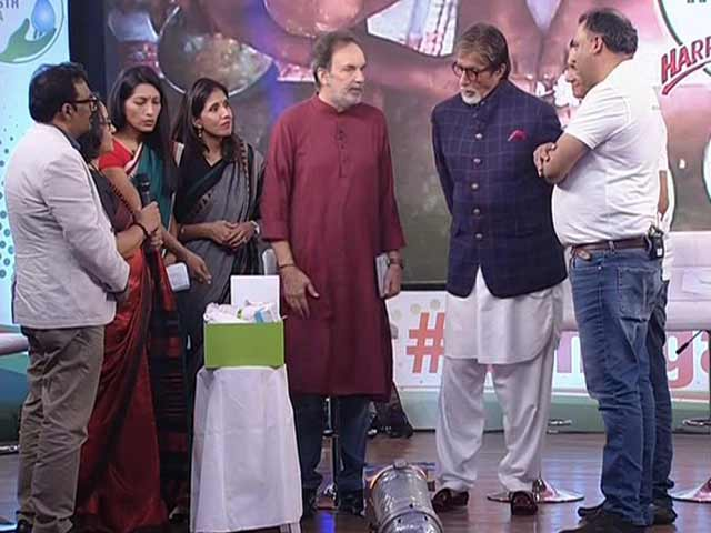 Video : Amitabh Bachchan Unveils <i>Swasth</i> Box, Pledges To Donate 100 Swasth Kits