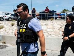 US: टेक्सास में बंदूकधारी ने वॉलमार्ट स्टोर में शॉपिंग कर रहे लोगों पर बरसाई गोलियां, 20 की मौत
