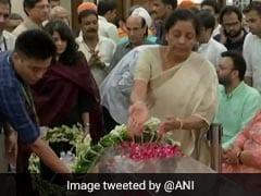বাসভবনে প্রয়াত Arun Jaitley-র দেহ, শ্রদ্ধা নিবেদন রাজনৈতিক ব্যক্তিত্বদের