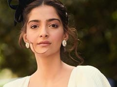 Trolled For Comments On Kashmir, Sonam Kapoor Tweets: 'Calm Down'