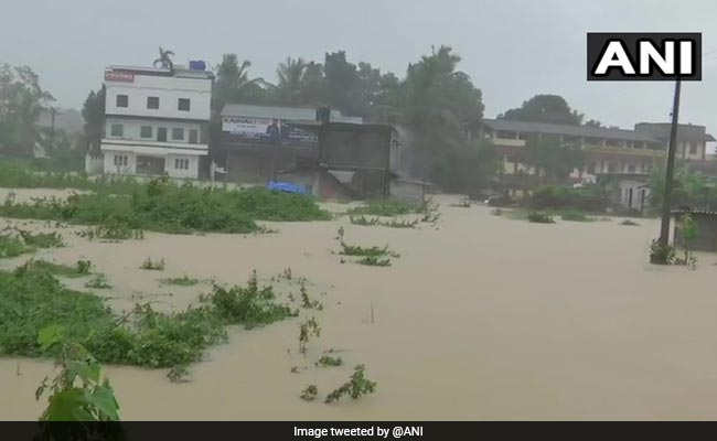Kerala floods: Death toll reaches 76, 2.87 lakh relocated in relief camps