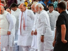 PM Modi, LK Advani Share Emotional Moment At Sushma Swaraj's Funeral
