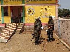 नक्सल प्रभावित इलाके में लेबर पेन से कराह रही थी महिला, CRPF जवानों ने 6 किलोमीटर कंधे पर ढोकर पहुंचाया अस्पताल