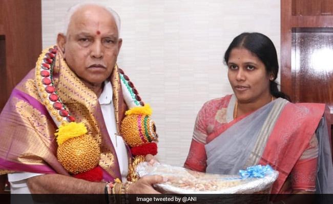Bengaluru Mayor Wraps BS Yediyurappa's Gift In Plastic, Told To Pay Fine