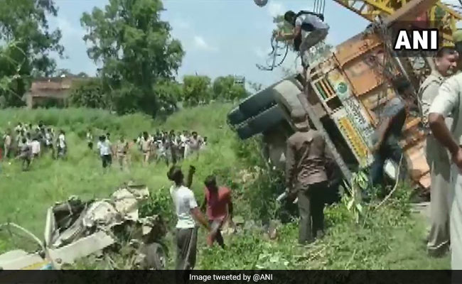 Woman, 3 Children Among 16 Killed In UP Road Accident