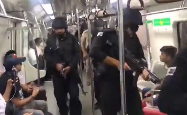 स्वतंत्रता दिवस और रक्षाबंधन पर हाई अलर्ट, सैकड़ों पुलिसकर्मियों ने लिया मेट्रो स्टेशन का जायजा