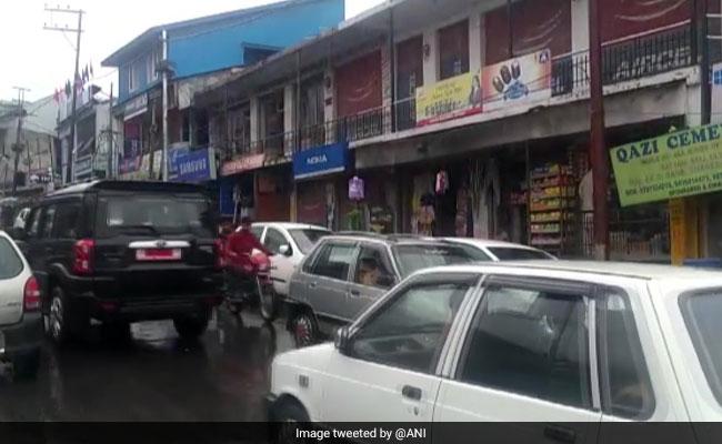 कश्मीर घाटी के 35 पुलिस थाना इलाकों में पाबंदियों में ढील, किश्तवाड़ में दिन भर के लिए हटाई गई धारा-144