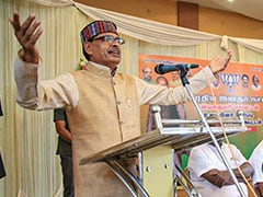 "Shivraj Chouhan, Digvijaya Singh Duel Over ""Dust Of Nehru's Feet"" Remark"