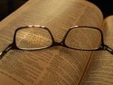 Video : Presbyopia: At What Age Do You Need Reading Glasses?