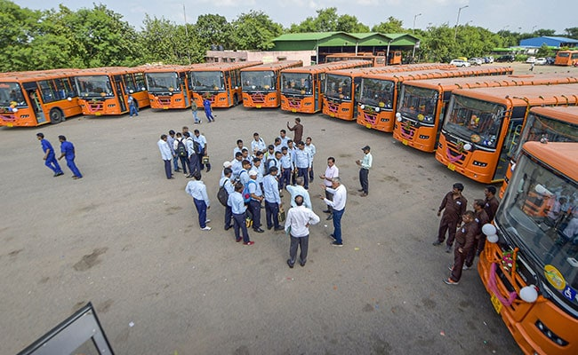 Delhi Gets 25 New Buses Equipped With CCTV Cameras, Panic Buttons