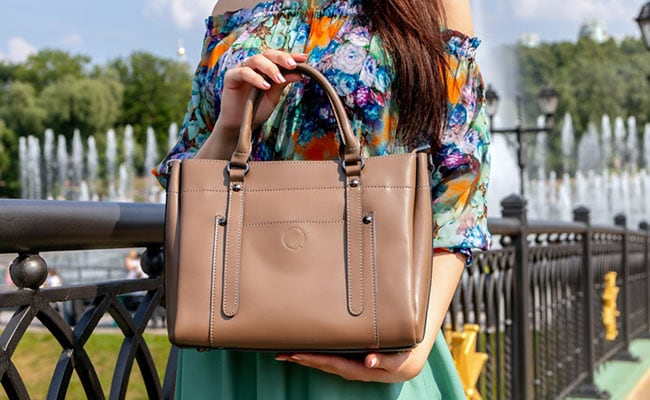 8 Stylish Brown Totes You Don't Want To Miss Out On