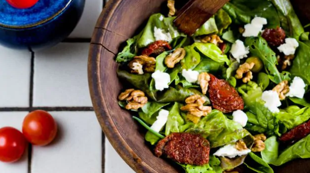 Weight Loss: This Desi High-Protein Vegetarian Salad Is A Delish Blend Of Health And Flavours