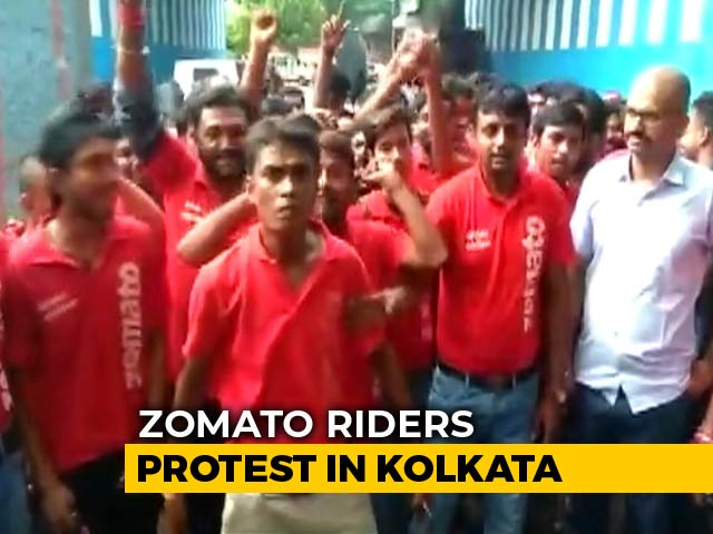 "Video : ""Forced To Deliver Beef And Pork"": Zomato Riders Protest In Kolkata"