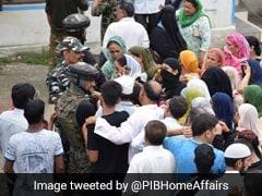 घाटी में सरकार का खास इंतजाम, घर तक पहुंचाये जा रहे राशन, 300 स्पेशल फोन बूथ भी लगाए गए