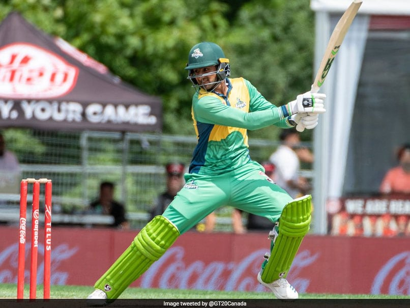 Shoaib Malik Smashes Two Glass Shattering Sixes During Gt20
