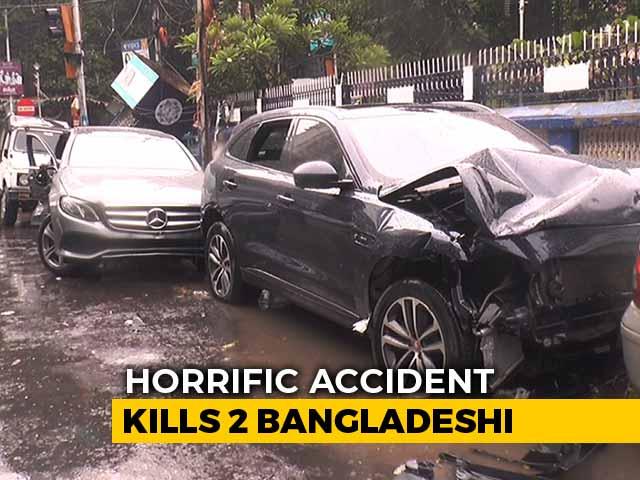 Video : Speeding Jaguar Hits Mercedes In Kolkata, Kills 2 Bangladeshi Bystanders