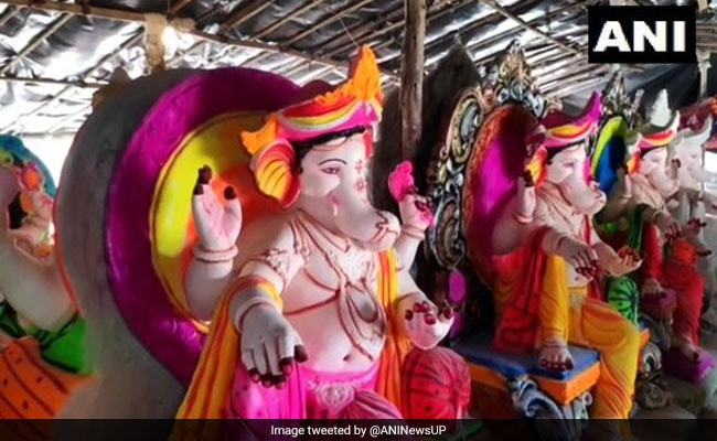 Ganesh Chaturthi: With Bamboo, Clay, Edible Paints, Ganesha Idols Go Eco-Friendly