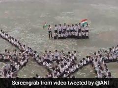 Gujarat में अनोखे अंदाज में मनाया गया धारा 370 खत्म होने का जश्न, स्कूल के बच्चों ने किया ऐसा