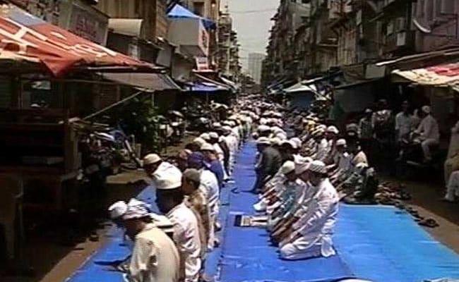 महाराष्ट्र में बकरीद के नियमों को लेकर मुस्लिम समुदाय नाराज़, कांग्रेस नेता ने भी उठाए सवाल