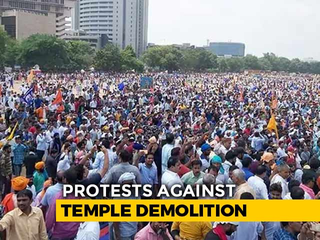 Video : Thousands Of Dalits In Delhi Protest Against Ravidas Temple Demolition