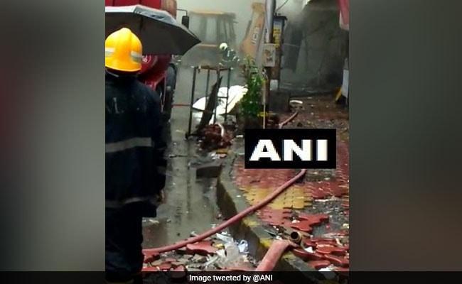 मुंबई के नवरंग इमारत में लगी आग, कोई हताहत नहीं