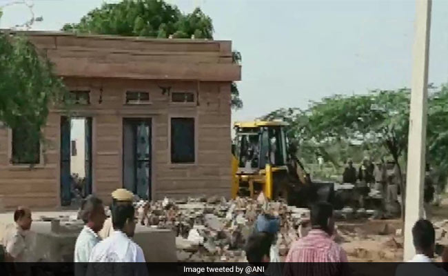 Mob Kills Earth-Moving Machine Driver In Anti-Encroachment Drive: Cops