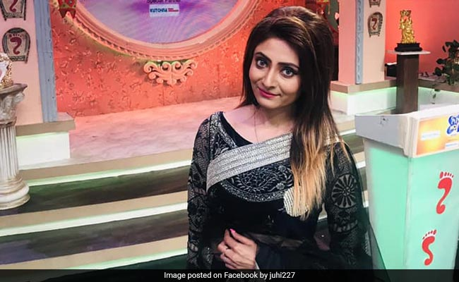 Actress Alleges Harassment By Petrol Pump Staff In Kolkata