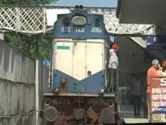 पाकिस्तान के रेल मंत्री शेख राशिद ने समझौता एक्सप्रेस ट्रेन बंद करने का किया ऐलान