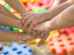 Friendship Day 2020: अंतरराष्ट्रीय मित्रता दिवस पर दोस्तों को भेजें ये मैसेज और विश करें Happy Friendship Day
