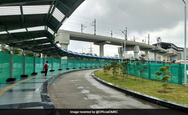 Delhi: Blue And Aqua Line Metro Stations Get Connected By Walkway