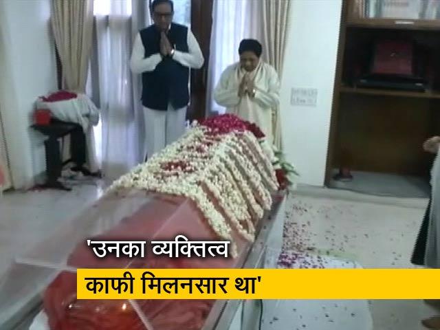 Videos : सुषमा स्वराज के निधन पर मायावती ने जताया दुख, बोलीं- वो कुशल राजनेता और प्रशासक थीं