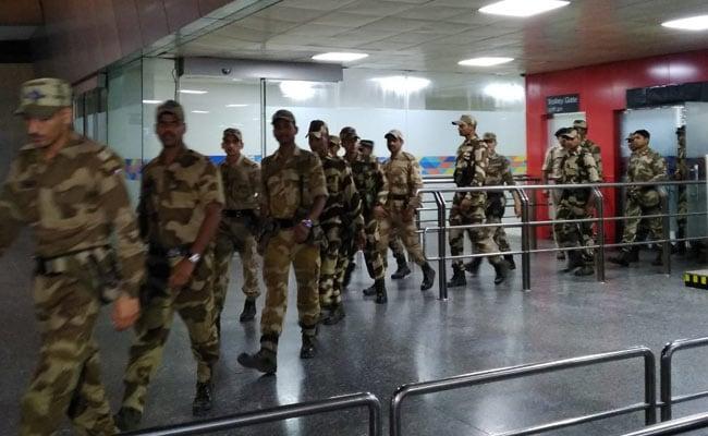 IGI Airport Delhi: दिल्ली एयरपोर्ट पर पुलिस को मिली बम होने की झूठी अफवाह, कॉल करने वाले की हुई पहचान