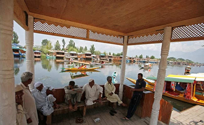 Jammu And Kashmir To Be Split Into 2 Union Territories. What This Means