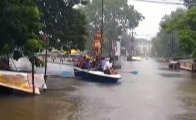 बाढ़ के कारण चार राज्यों में 225 लोगों की मौत