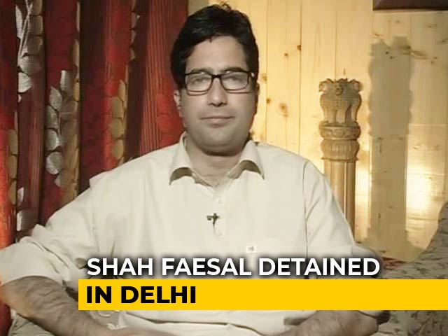 Video : J&K Leader Shah Faesal Stopped At Delhi Airport, House Arrest In Srinagar