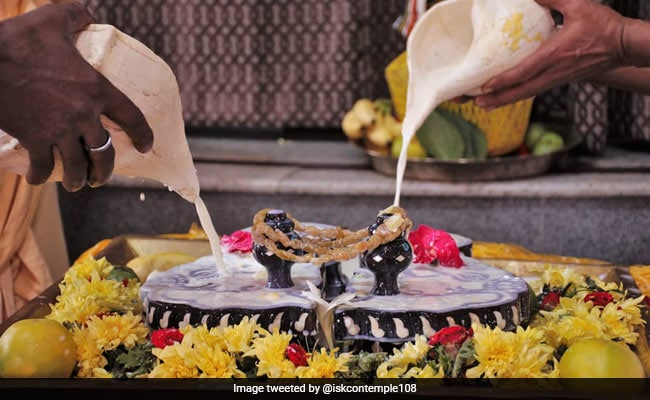 Govardhan Puja 2019: Date, Time, Significance And Prasad To Offer