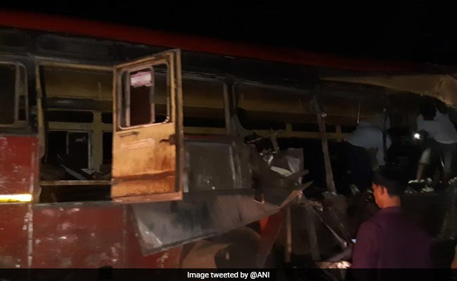 11 Killed, Over 12 Injured In Truck-Bus Collision In Maharashtra