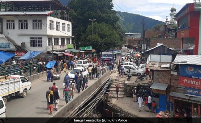 'गदर' फिल्म के डायरेक्टर ने कश्मीर में जमीन की कीमतों पर किया Tweet, बोले- सुख बरसेगा अब...