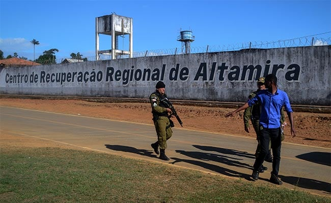 Brazil Gang Members Behead Rivals In Jail Riot While Guards Look On