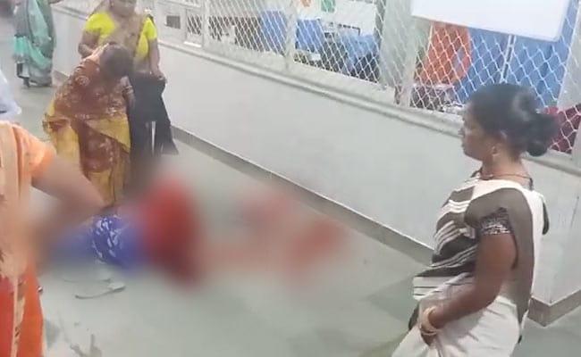 यूपी: गर्भवती को नहीं मिला अस्पताल में बेड, फर्श पर ही बच्चे को दिया जन्म